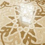Узоры на полу во внутреннем зале Памятного знака, где хранится самый большой в мире печатный Коран