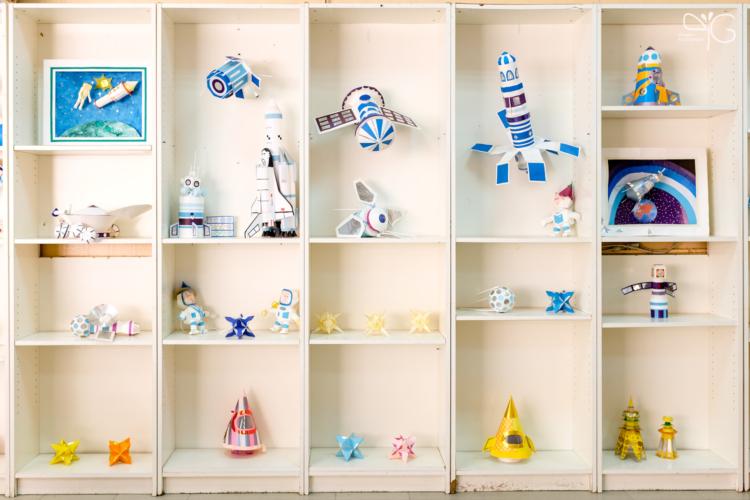 Модели космических кораблей, созданные детьми в Центре развития творчества г. Сосновый Бор